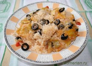 Рис с маслинами и луком-пареем