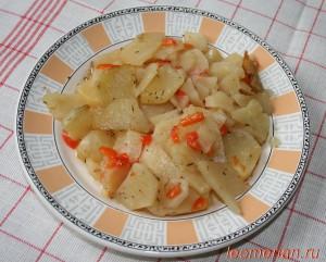 Запеченный картофель с болгарским перцом