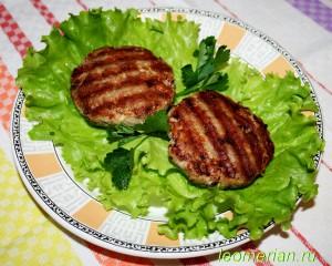 Котлеты на сковородке гриль по-болгарски