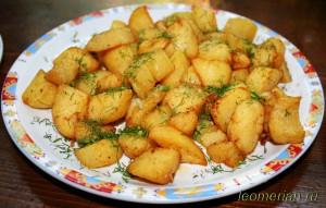 Картошка по-деревенски с чесноком и укропом - болгарский вариант