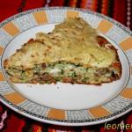 Пирог с индейкой и брынзой-кусок