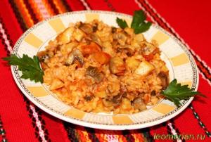 Рис с шампиньонами и сельдереем