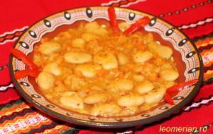 Фасоль, тушенная по-болгарски