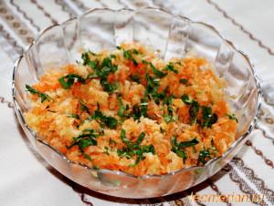 Салат из зеленой редьки с морковью и яблоком
